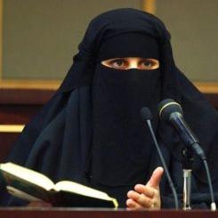 Studentessa con il niqab
