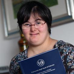 Giusi, la prima laureata affetta da sindrome di Down