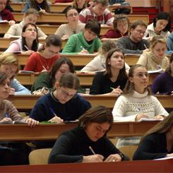 Genova, arriva il test di italiano per gli studenti stranieri