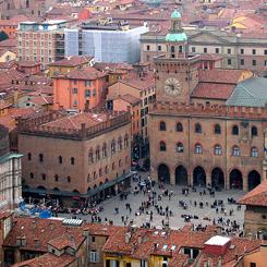 Bologna, polemiche intorno alla laurea a Napolitano