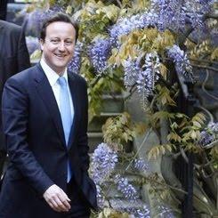 Clegg lancia incentivi per giovani disoccupati