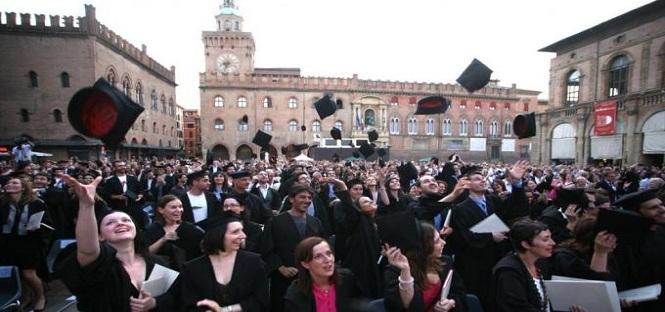Il numero dei laureati in italia non cresce abbastanza for Numero dei parlamentari in italia
