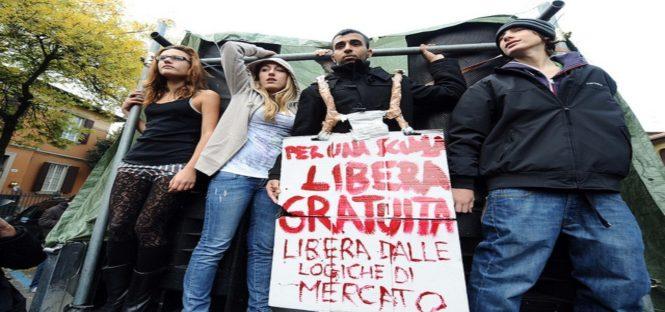 Protesta studenti contro Governo Monti