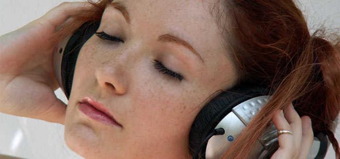 Ascoltare musica provoca piacere come il cibo o il sesso