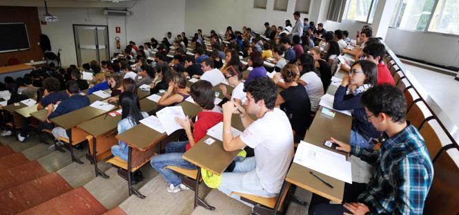 divieto iscrizione contemporanea due corsi laurea