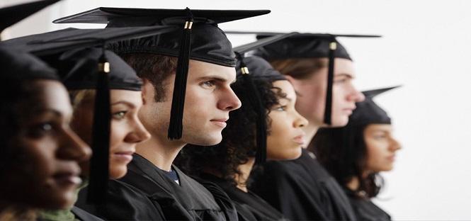 Crolla numero dei laureati italiani lo evidenzia un for Numero dei parlamentari italiani