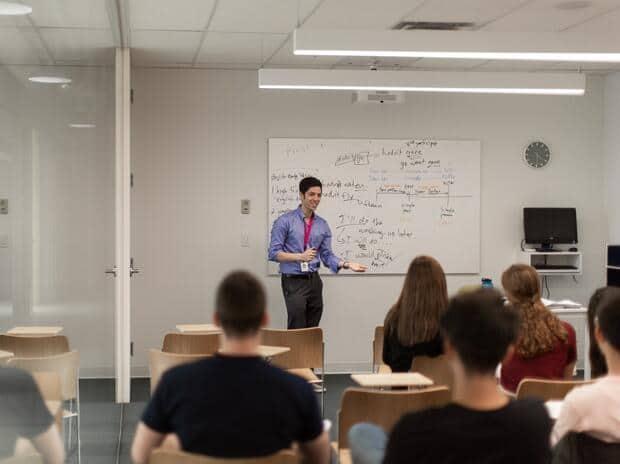 Puoi studiare all'estero con la borsa di studio EF